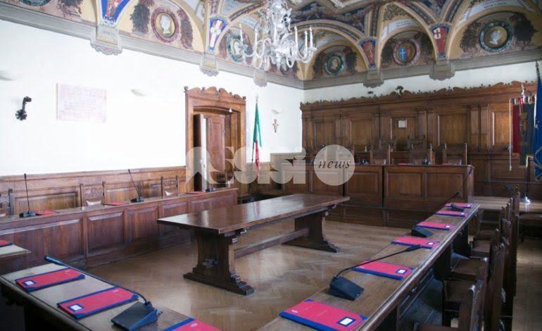 Assestamento di bilancio ad Assisi, scontro Paoletti-Leggio
