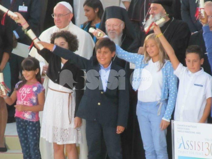 Spirito di Assisi 2016, appello finale consegnato a 34 bambini: FOTO