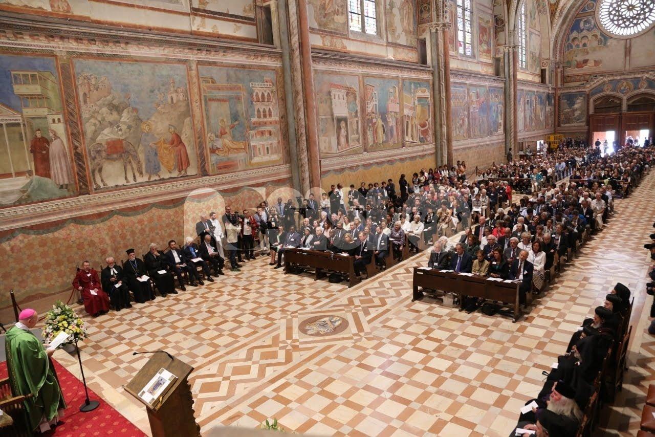 Religioni e culture in dialogo: Sete di Pace si apre con la messa del vescovo di Assisi