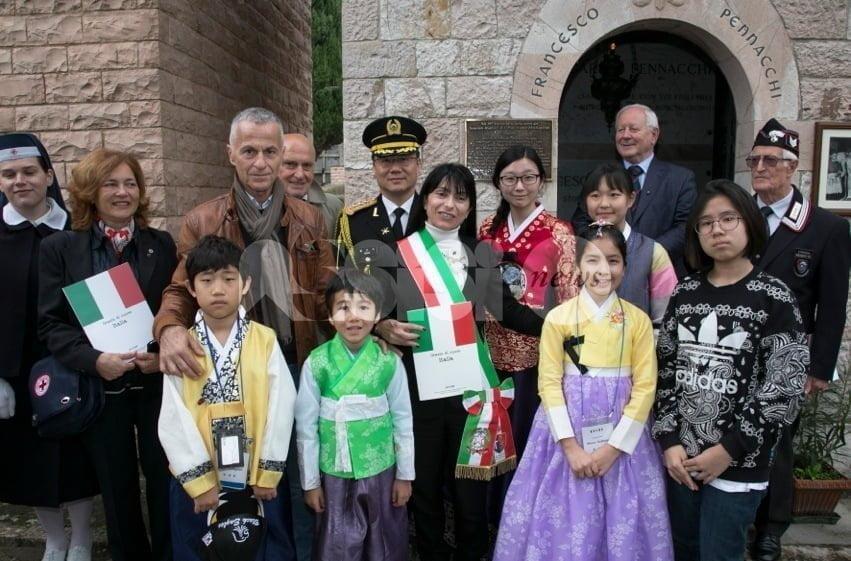 Fabio Pennacchi, l'omaggio della città di Assisi e degli studenti coreani