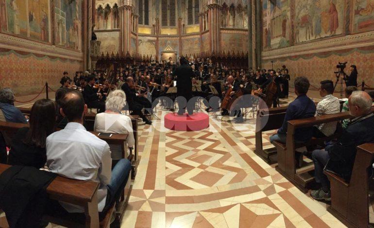 Grande successo ad Assisi per i 140 musicisti del Requiem Project