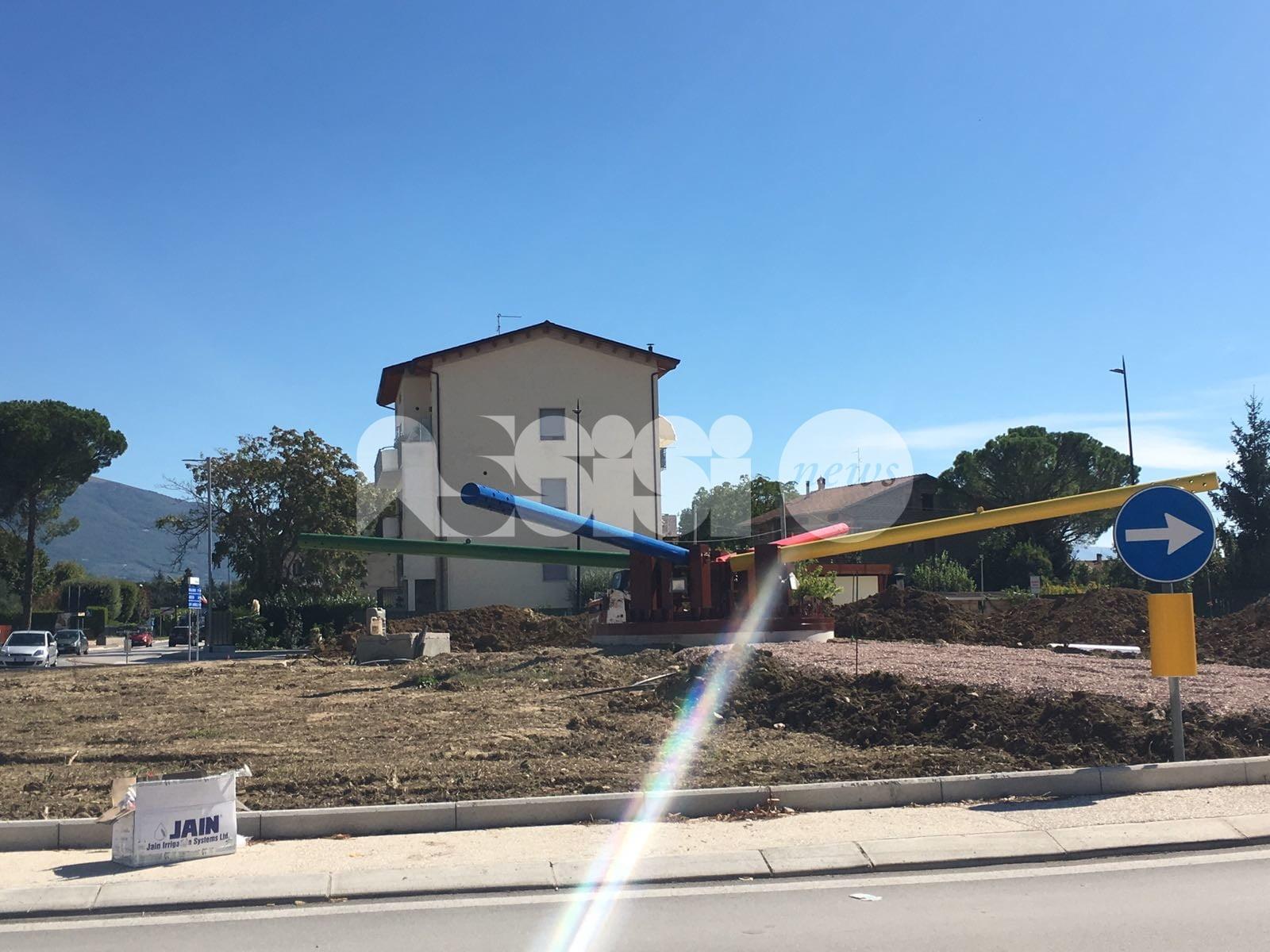 Lavori in corso su rotaria e aree verdi di Bastia Umbra