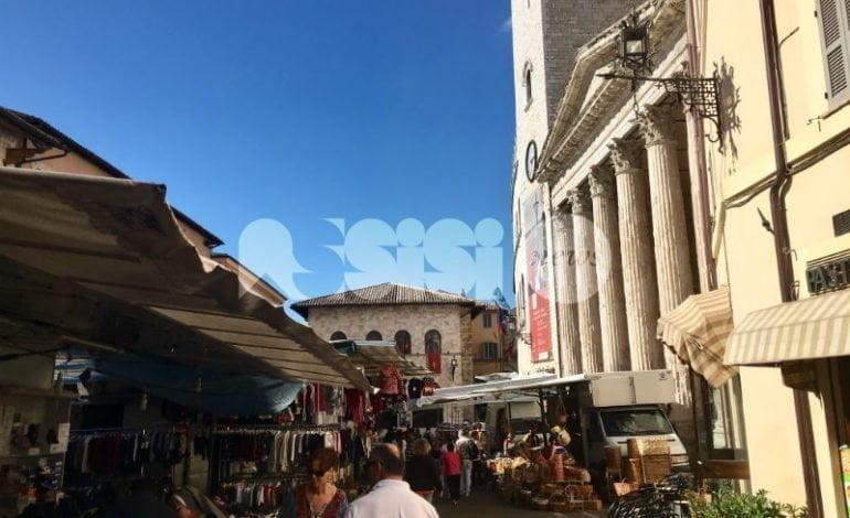 Fiera di San Francesco 2016, tanta gente ad Assisi per le bancarelle