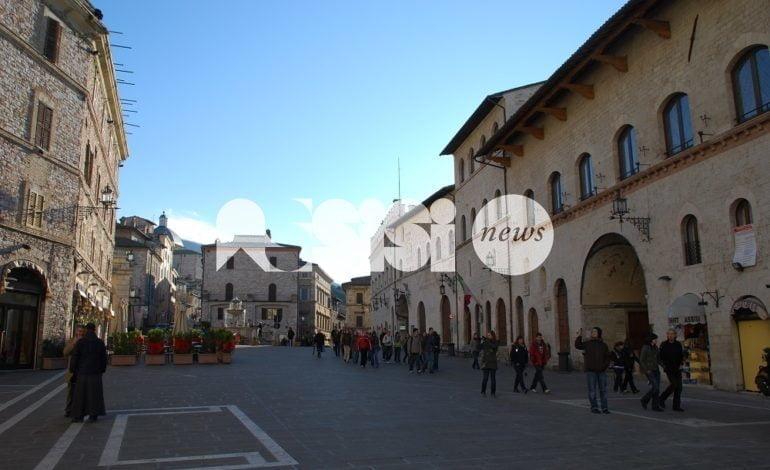 Il consiglio comunale non discute gli stipendi dei dirigenti: M5S Assisi critico
