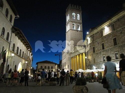 Michele Capece e l'Assisi laica: gli aperitivi (in musica) del venerdì