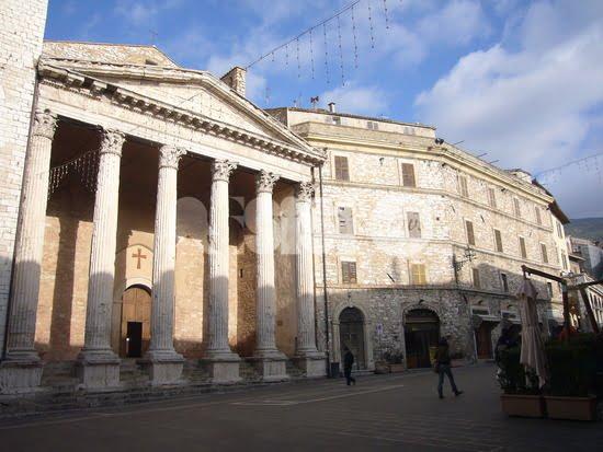 Verifiche al Tempio di Minerva per delle crepe: arriva la Soprintendenza
