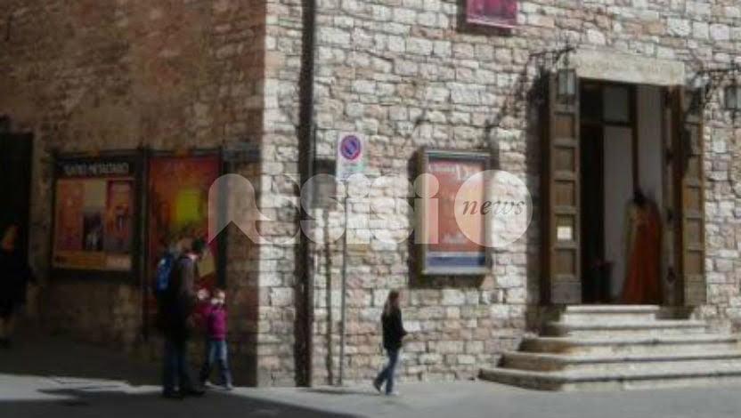 Il Comune si riprende il Teatro Metastasio: l'annuncio di Guarducci
