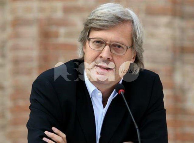 Vittorio Sgarbi testimonial per Umbria e Marche con spot anti terremoto