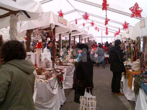 Mercatini di Natale ad Assisi, online il bando per le casette
