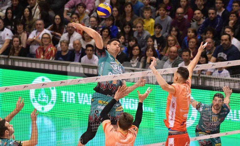Volley, Sir Safety Perugia espugna Ravenna e salda la vetta