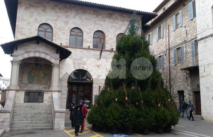 L'edizione 2018 del Natale ad Assisi parte domani con albero e trenino