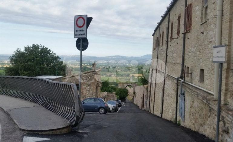 Il paradosso di Piaggia San Francesco: rifatta a regola d'arte, serve a pochi