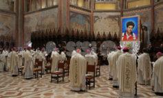 Beato Carlo Acutis, ad Assisi la messa solenne: le foto e la storia del giovane