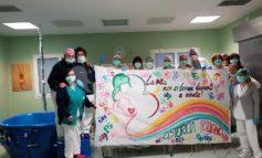 """""""La vita non si ferma davanti a niente"""": il messaggio delle ostetriche dell'ospedale di Foligno"""