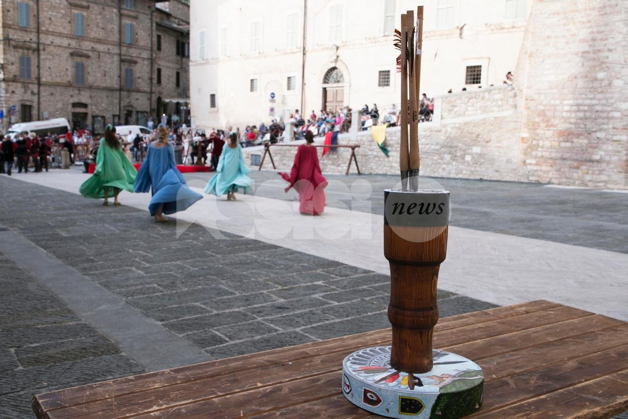Palio di San Rufino 2021: ad Assisi mostra, mercatino e sfida a suon di balestra (foto)