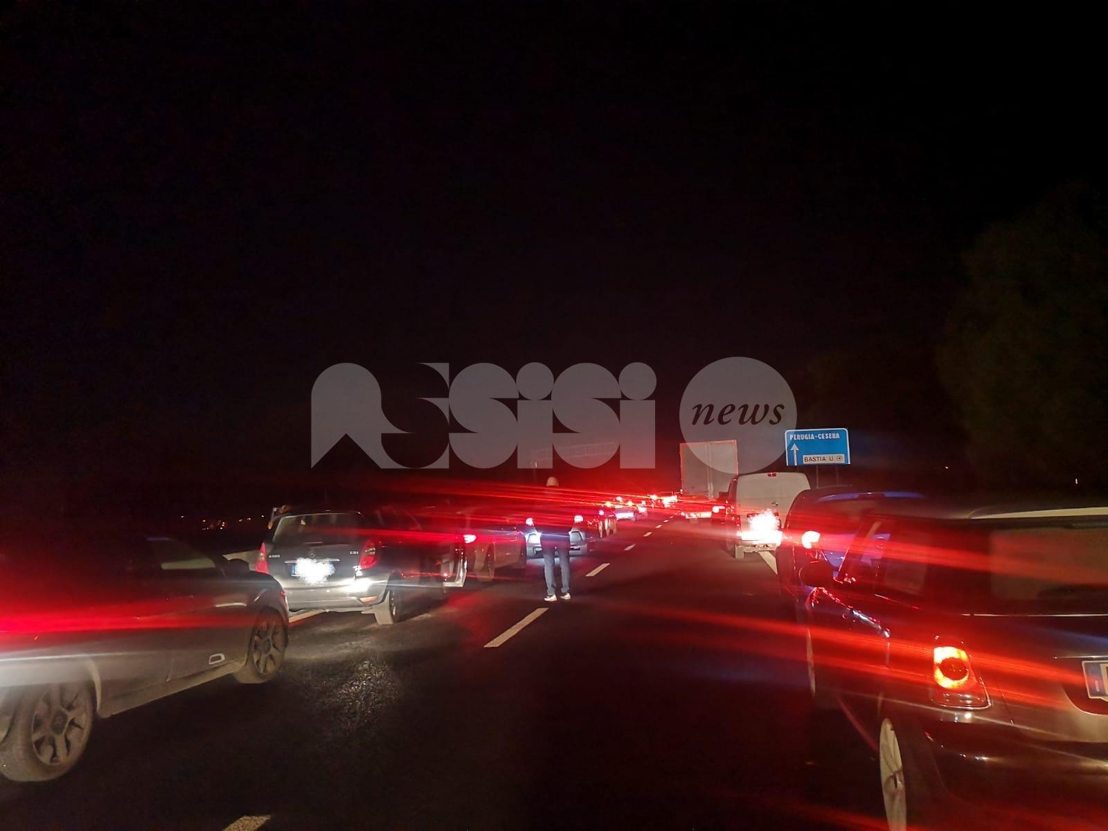 Doppio incidente sulla SS75 a Bastia Umbra: più mezzi coinvolti