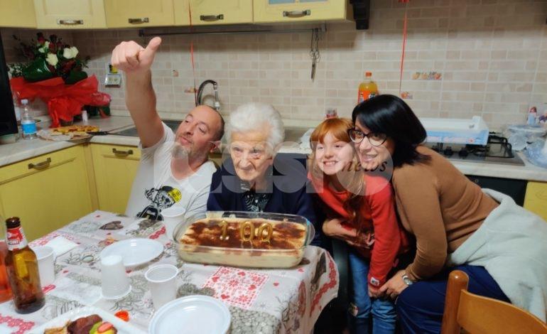Elisa Profumi compie 100 anni: festa grande a Castelnuovo di Assisi (foto)