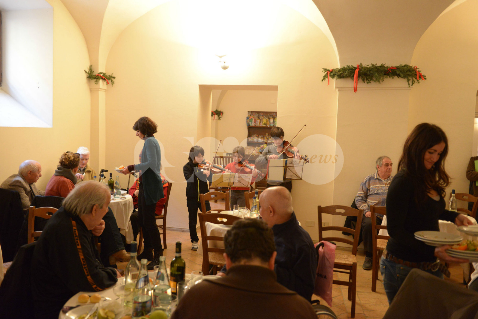 Ad Assisi vince il Natale solidale, dalle associazioni ai privati (foto)