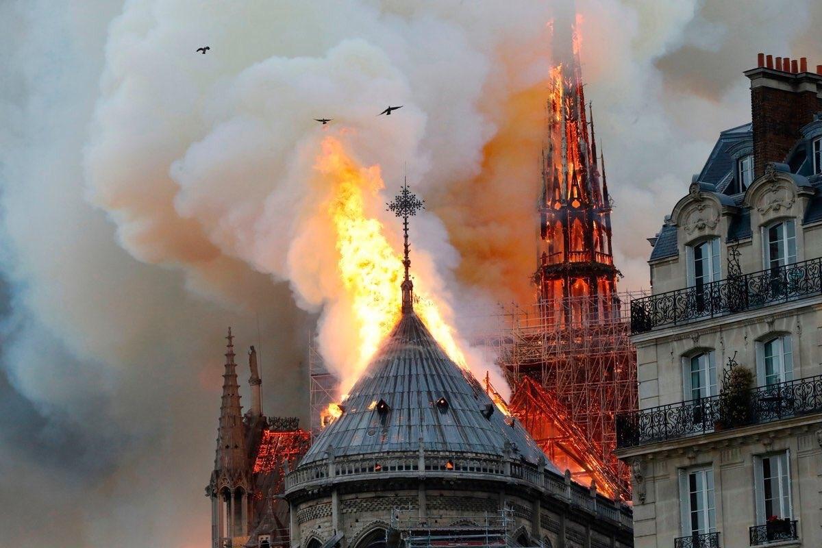 "I frati di Assisi: ""Notre Dame risorgerà come la Basilica di San Francesco"""