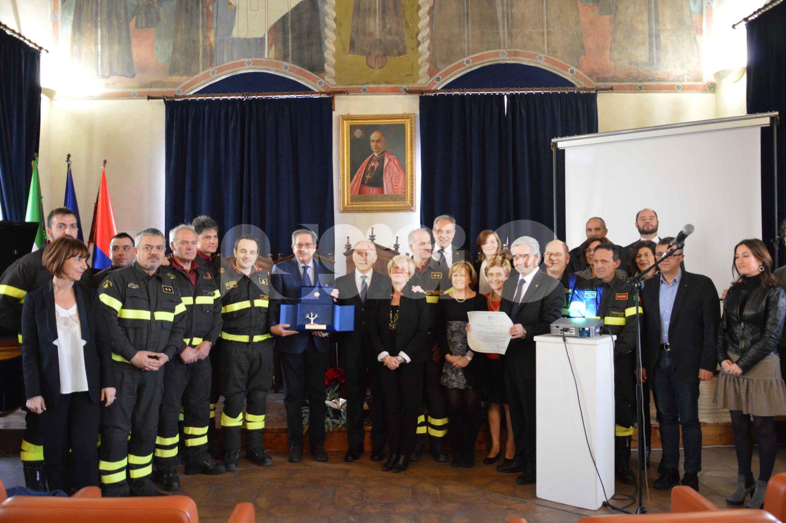 Il Corpo Nazionale Vigili del Fuoco premiato ad Assisi dagli psicologi