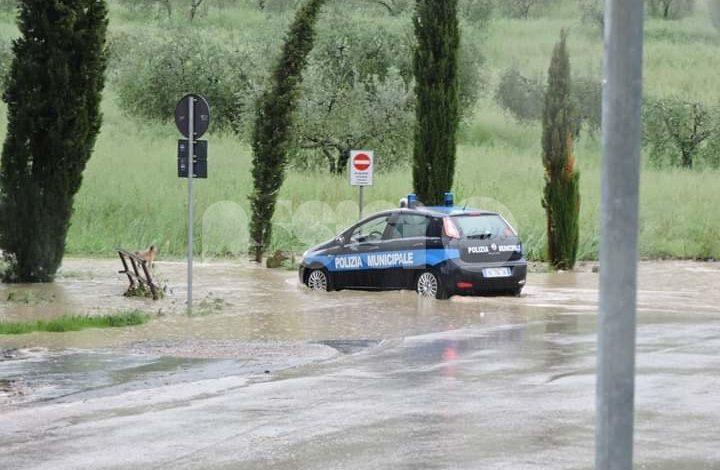 Maltempo sull'Umbria, ad Assisi strade allagate e luci spente