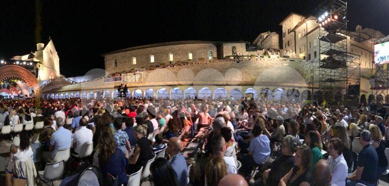 Con il cuore 2019, le foto del concerto benefico da Assisi