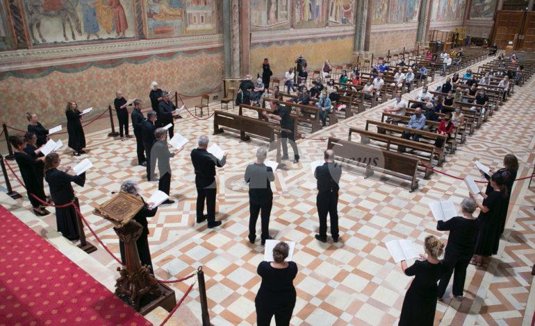 Notte al Museo e 'prima' di Assisi OnLive, grande successo e partecipazione (foto)