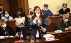 Donatella Casciarri presidente del consiglio: partiti battono civismo (FOTO)
