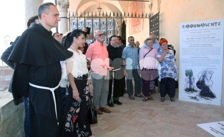 Camminamente Assisi, inaugurata la mostra sui camminatori pellegrini