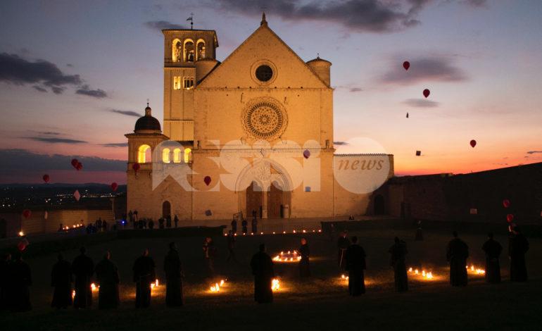 5 minuti con Maria, le suggestive foto dalla Basilica di San Francesco