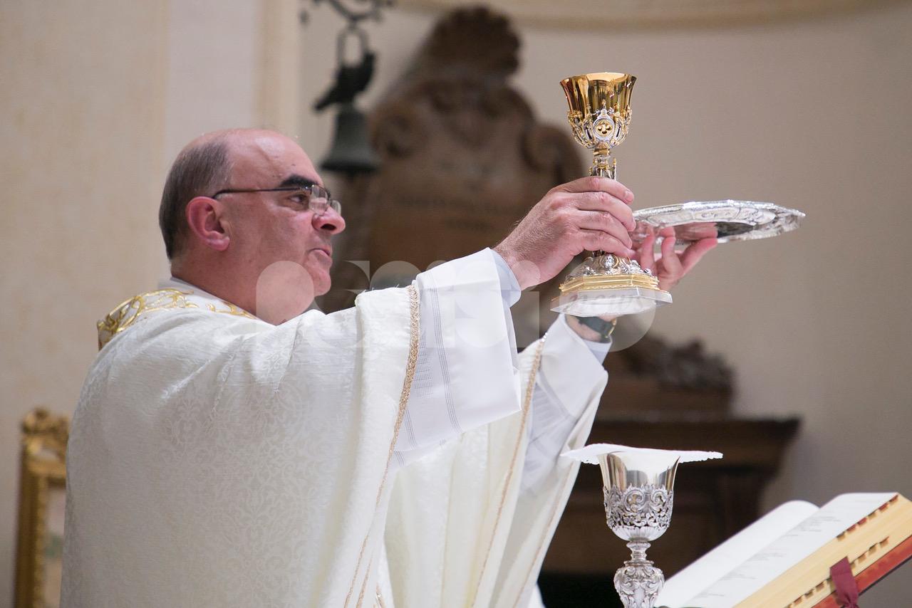 Don Cesare Provenzi, 25 anni di sacerdozio: festa grande ad Assisi (foto)