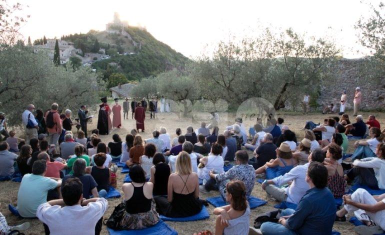 Universo Assisi, dopo le critiche di Pettirossi la minoranza all'attacco