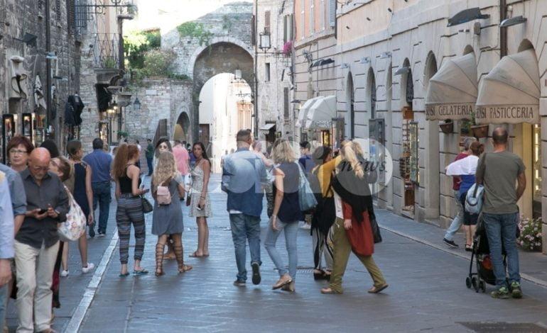 Turismo ad Assisi, presenze da record: nei primi 4 mesi del 2018 presenze e arrivi superiori al 2016