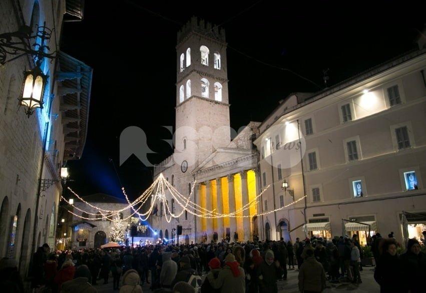 Turismo mordi e fuggi in 'ripresina' ad Assisi: Piazza piena per Capodanno