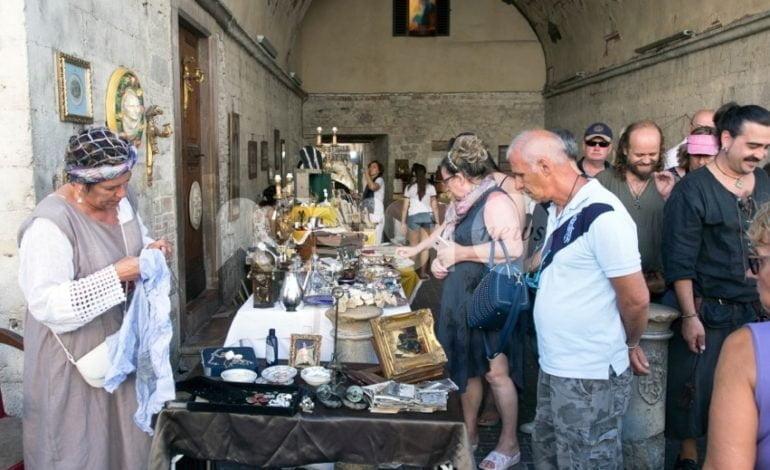 Mercatino medievale, grande successo ad Assisi per i 'mercanti' del Palio di San Rufino 2017