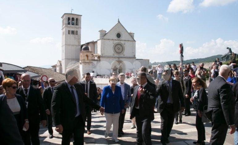 """Angela Merkel in vacanza ad Assisi? Il sindaco Proietti: """"L'abbiamo invitata"""""""