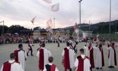 Rassegna degli Antichi Sapori 2019, tutto esaurito per lo spettacolo degli Sbandieratori di Assisi