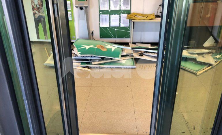 Tentato furto alla Bnl di Santa Maria, bancomat fatto saltare: indagini in corso (foto)