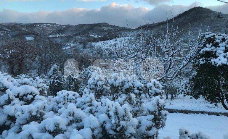 Neve sulle montagne di Assisi, lo spettacolo a Pian della Pieve/Costa di Trex