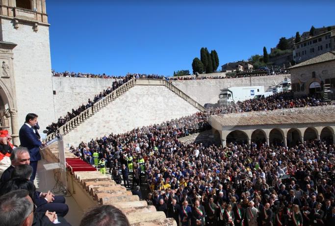 Celebrazioni di San Francesco 2019, i discorsi dalla Loggia e il menu del pranzo (foto)