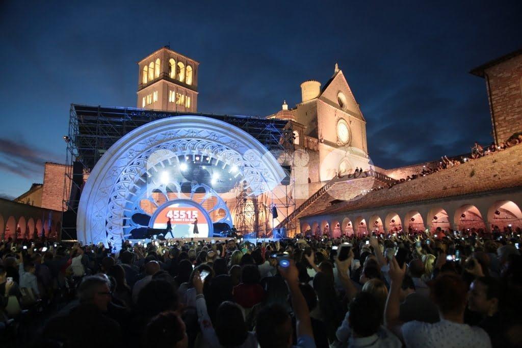 """L'appello solidale dei Frati di Assisi: """"Aprite i porti del cuore, donate"""""""