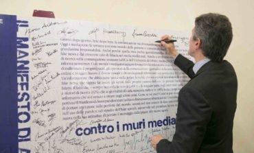 Carta di Assisi, anche il sottosegretario Martella contro i muri mediatici