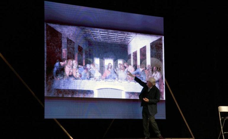 Ad Assisi lo spettacolo-lezione di Vittorio Sgarbi su Leonardo (foto)