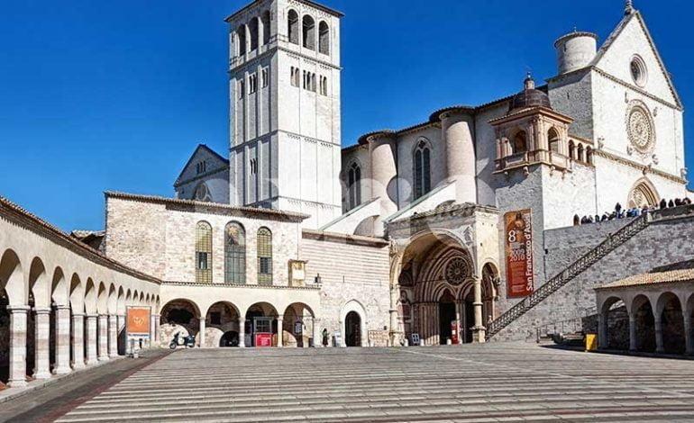 Turismo ad Assisi, crollo a novembre 2016: azzerata la crescita annuale