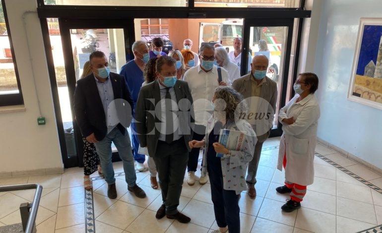Ospedale di Assisi, l'assessore regionale Coletto in visita (foto)