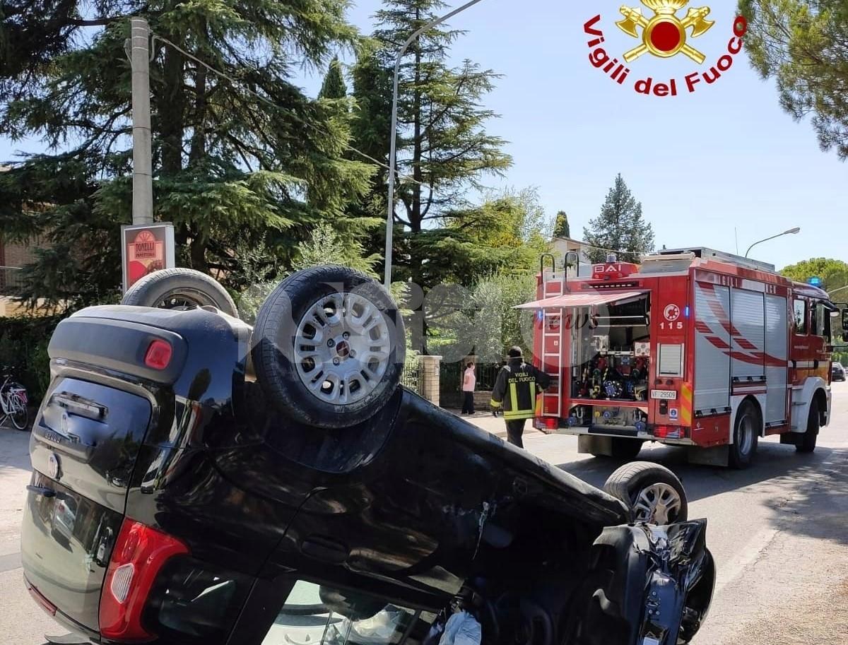 Incidente a Tordandrea di Assisi, ferite tre persone (foto)
