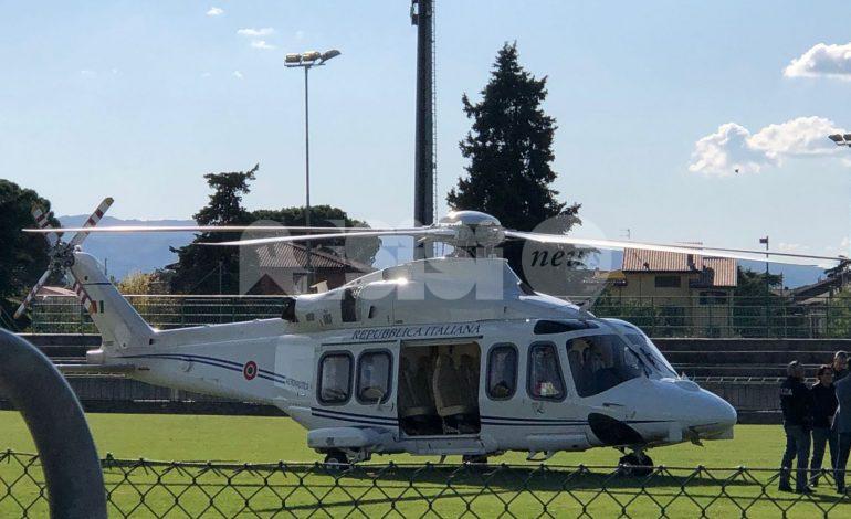 Elicottero della Repubblica Italiana sul campo dell'Angelana Calcio, grande curiosità (foto)