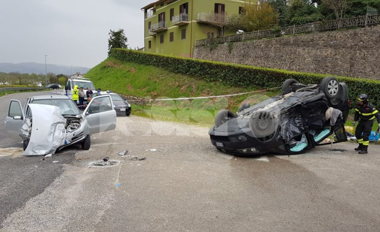 Incidente mortale a Bettona: tragico scontro sulla provinciale 403, due morti, 4 feriti
