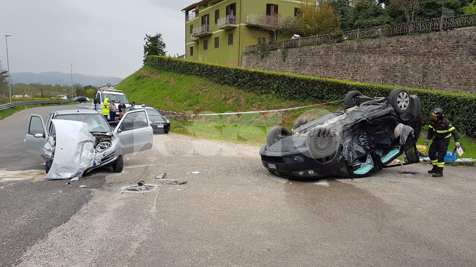 Incidente mortale a Bettona: tragico scontro sulla provinciale 403, due morti, 4 feriti