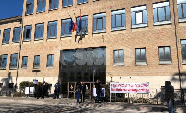 """Fonderie Tacconi, il manifesto del Comitato: """"Siano delocalizzate, contrastano con i diritti dei cittadini"""""""